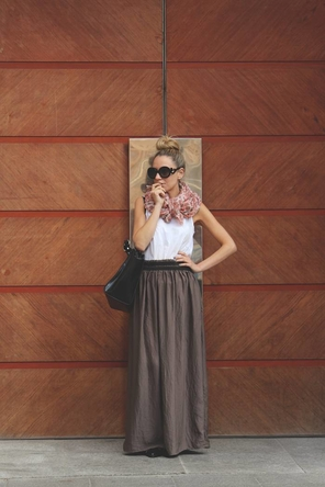 maxi skirt / white top / colored scarf
