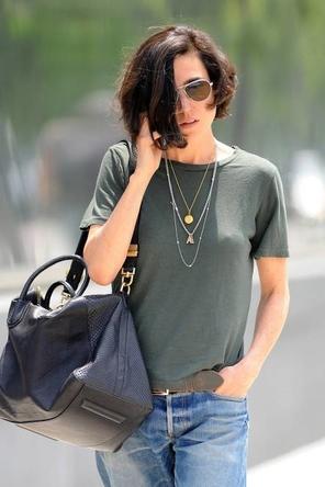 T / boyfriend denim / layered necklaces