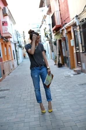 rolled denim / T / bright heels