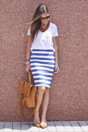 striped skirt / T / flats / colors