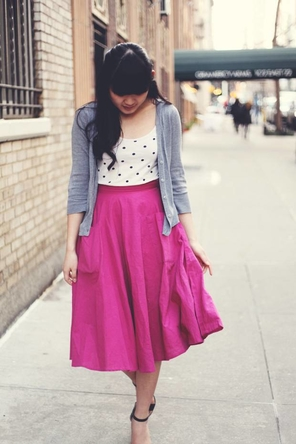 pink skirt / polka dots / grey cardigan / black sandals