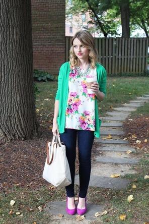 floral top / teal / skinnies / pink flats or heels