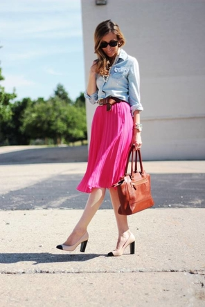 pink pleated skirt / chambray / cognac