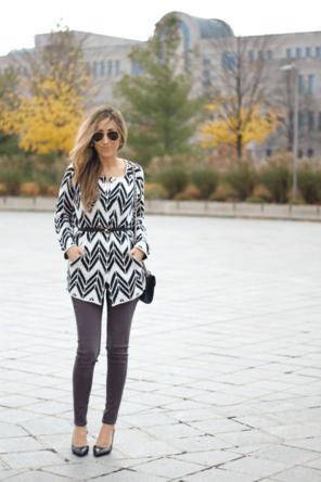zig-zag cardigan / grey skinnies / black heels