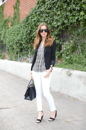white denim / black + white patterned top / black blazer + sandals