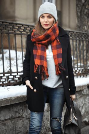 plaid scarf / graphic sweatshirt / distressed denim / coat